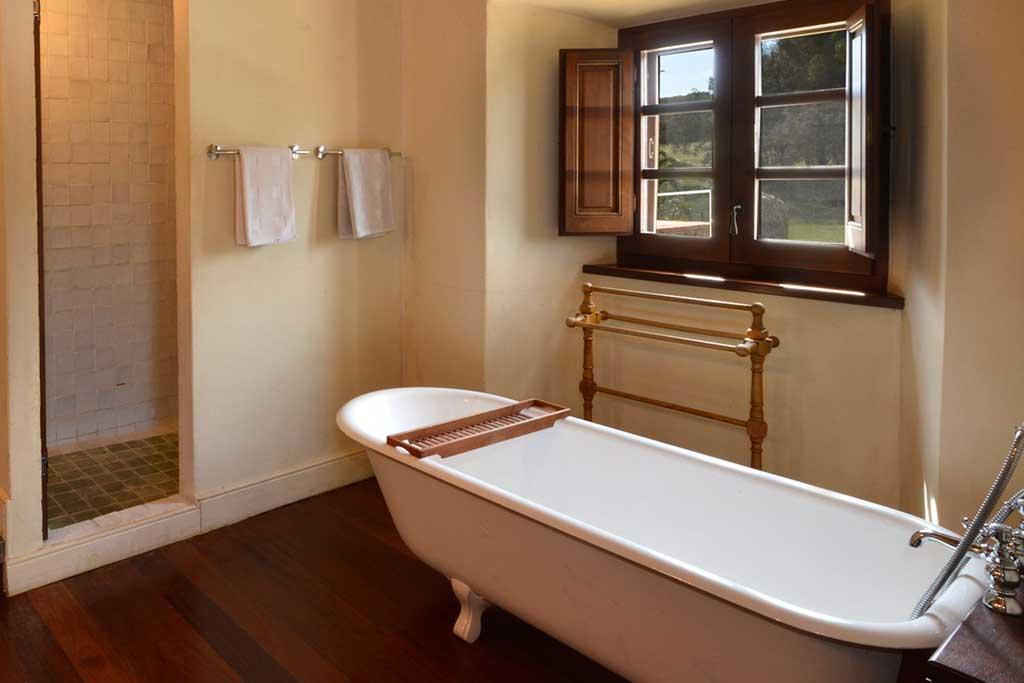 Mas Gall Bathroom